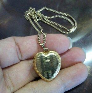 Jewelry - 12k goldfilled locket pendant necklace